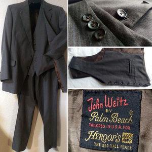 LIKE NEW VINTAGE 3 pc gray pinstripe wool suit 48L
